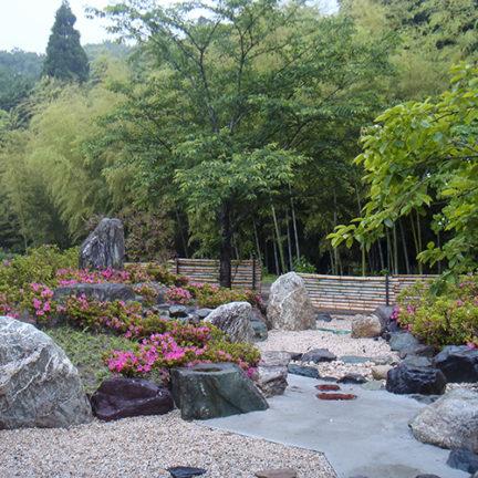 桑名の古民家_西側 石の庭