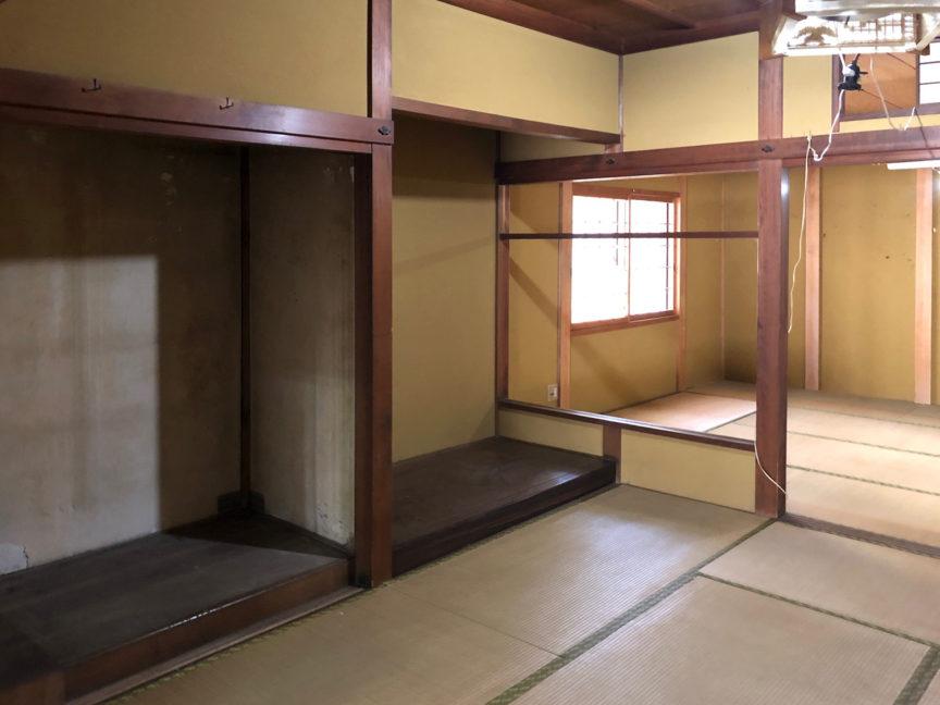 1階中央の和室には1間の床の間が