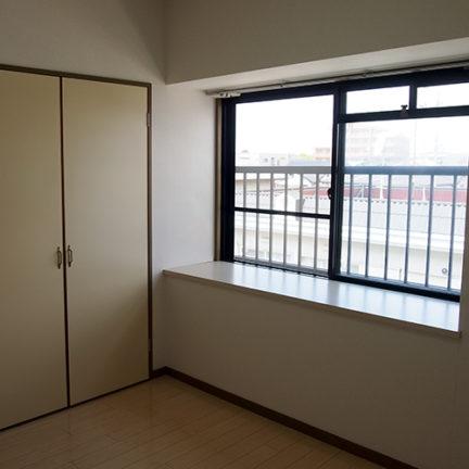 301北側個室。各個室に造り付け収納が