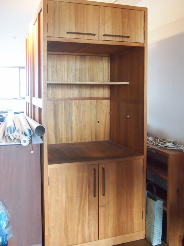 桐材の収納家具