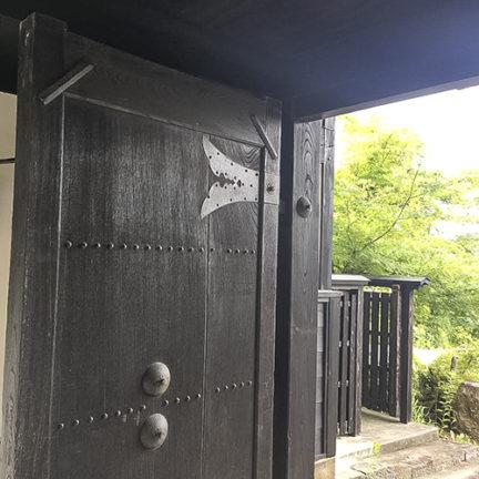 桑名の古民家_堂々とした構えの長屋門
