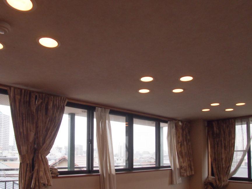 居室の照明はダウンライト